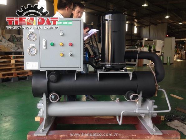 Hệ thống làm lạnh nước Water chiller tại nhà máy bao bì